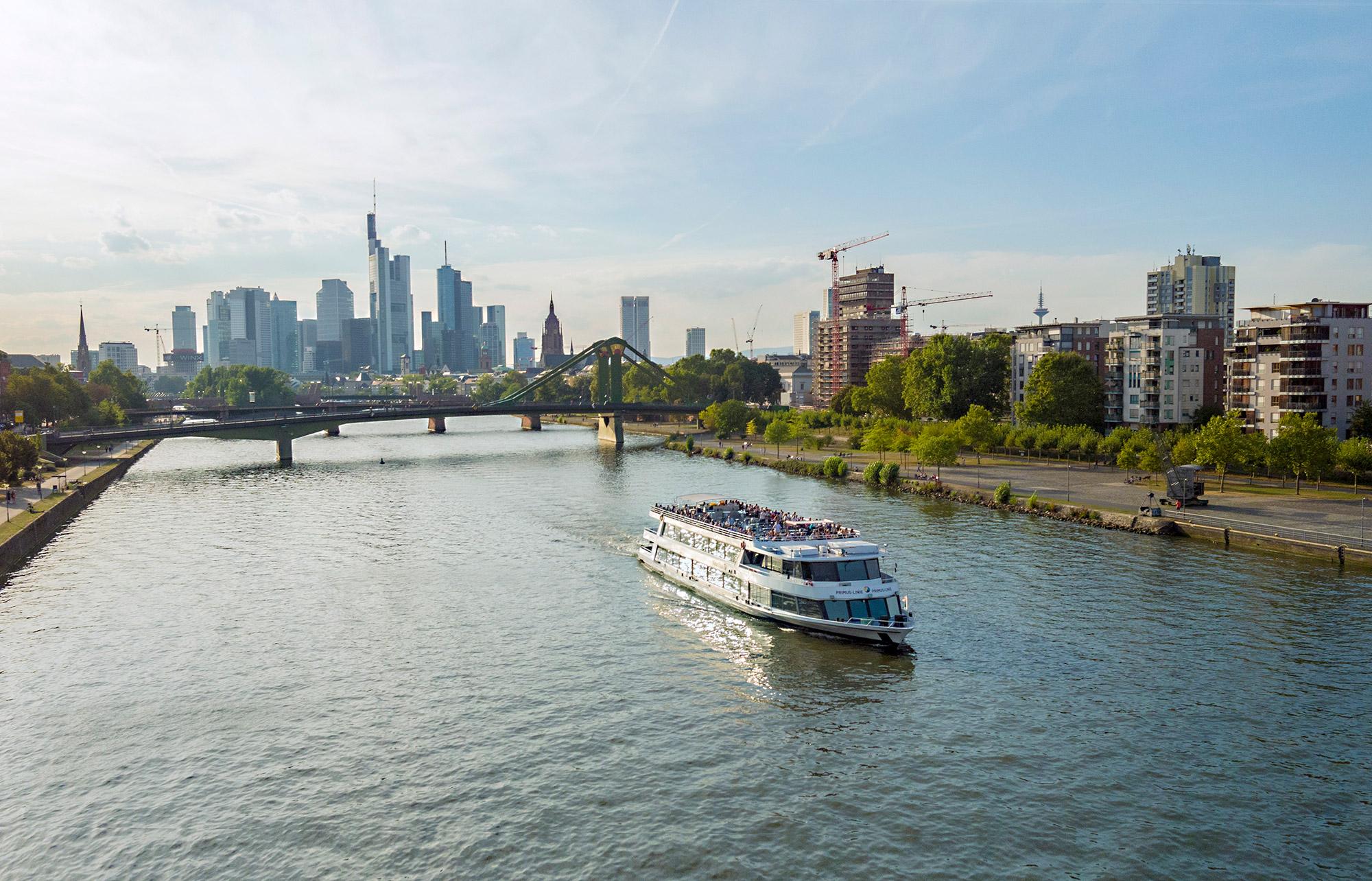 ecbe4663f70bdd Schiff Nautilus – das Flaggschiff - Frankfurter Personenschiffahrt ...